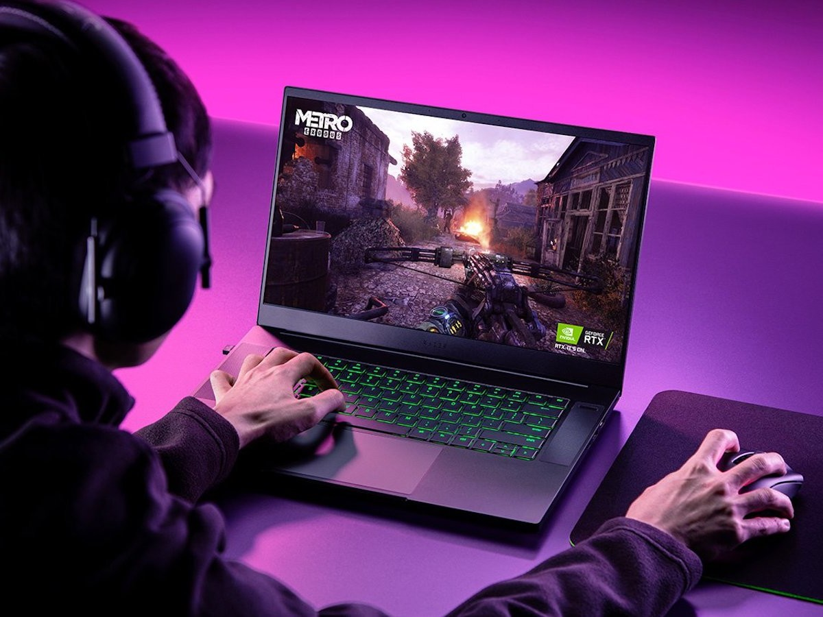 Razer Blade 15 Base Edition small gaming laptop features a high-performing processor