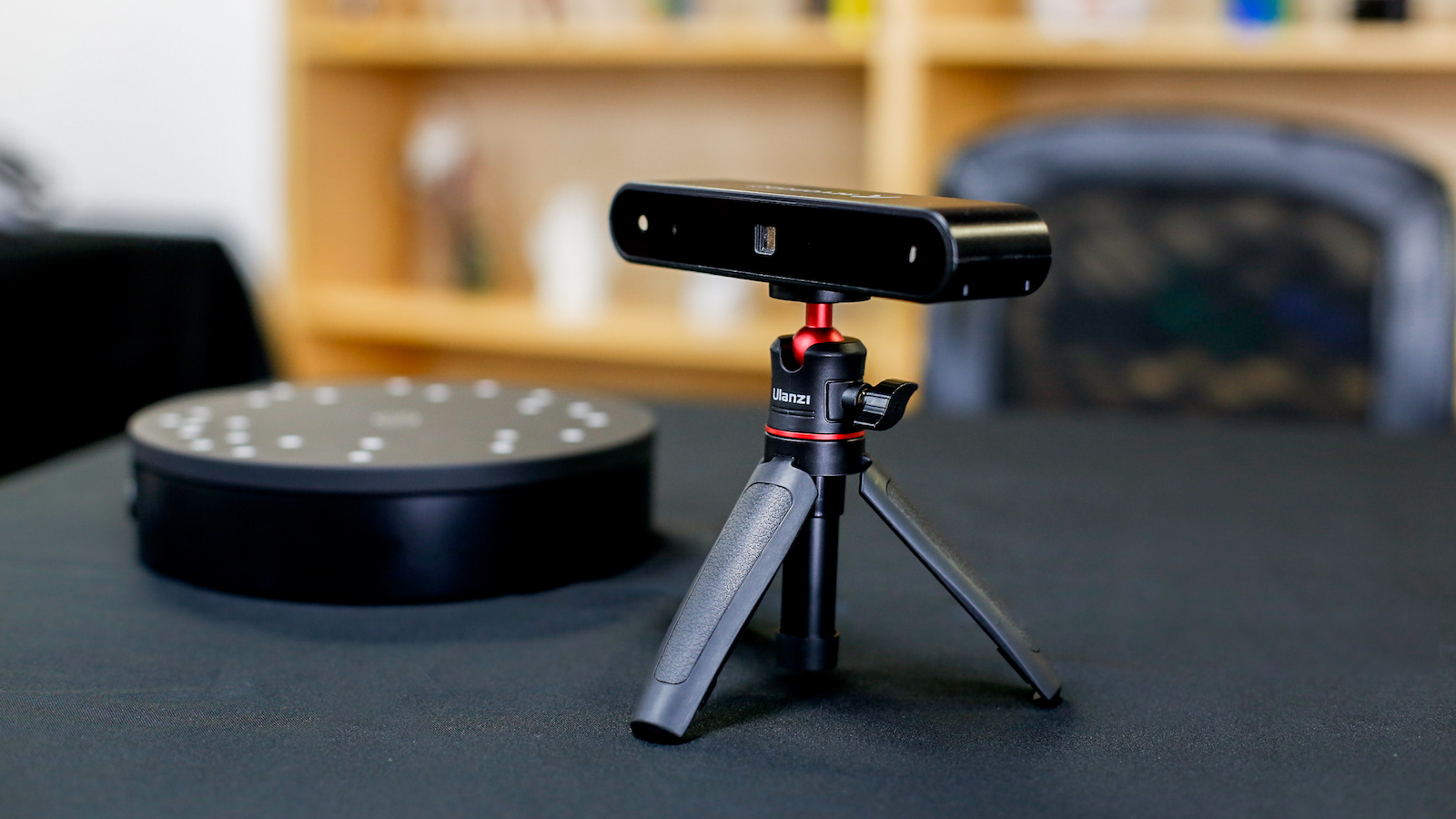 Revopoint POP 3D Scanner performs high-precision scanning for 3D printing
