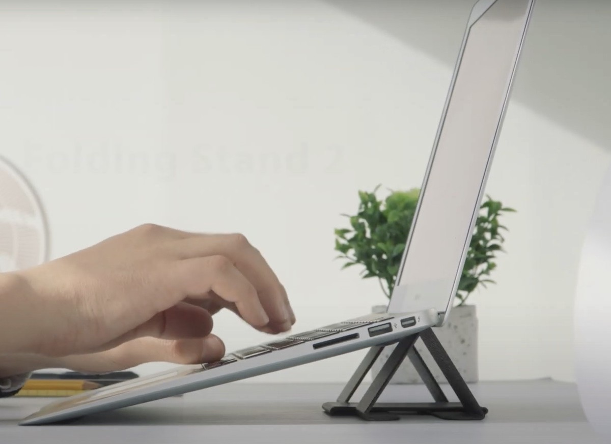 Ringke Folding Stand 2 Laptop Support offers two viewing angles