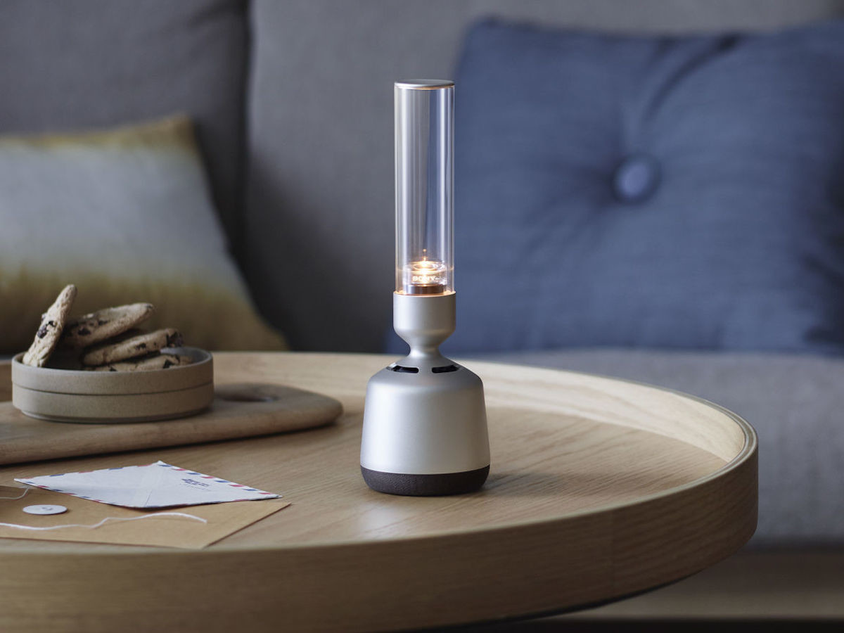 Sony LSPX-S2 Wireless Glass Sound Speaker spreads audio in all 360 degrees thumbnail