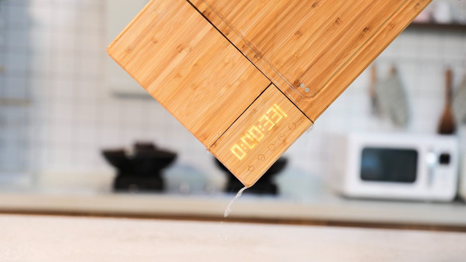 The Yes Company ChopBox smart cutting board features a UV-C light to kill germs & bacteria
