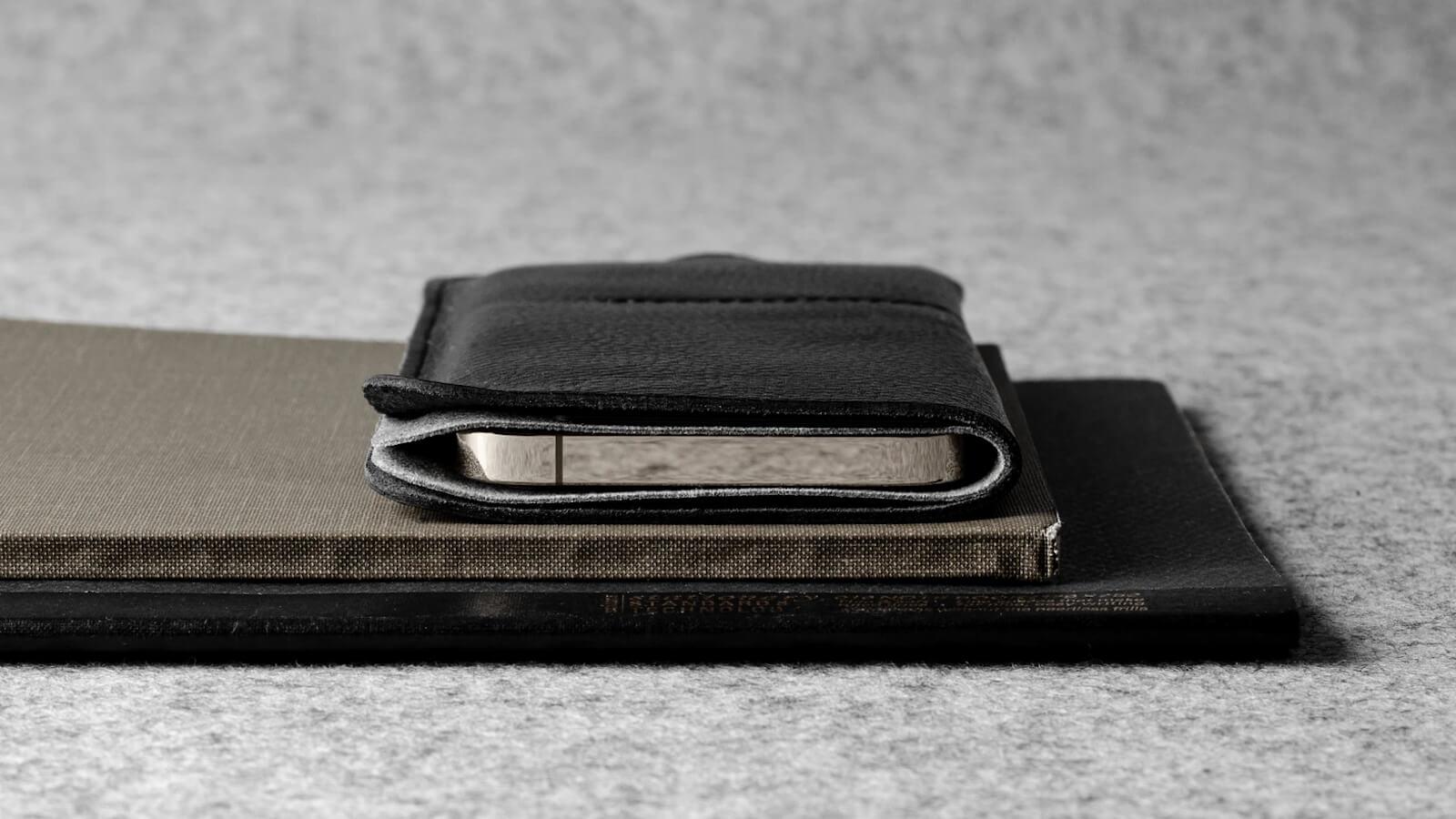 hardgraft Wild iPhone 12 Case