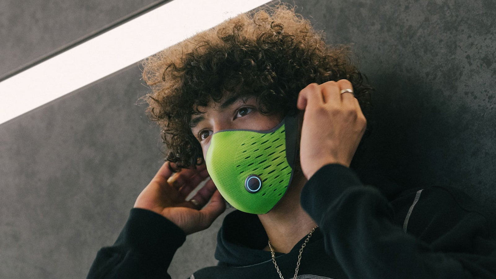 AirPop Active+ Smart Mask monitors your breathing and the air quality