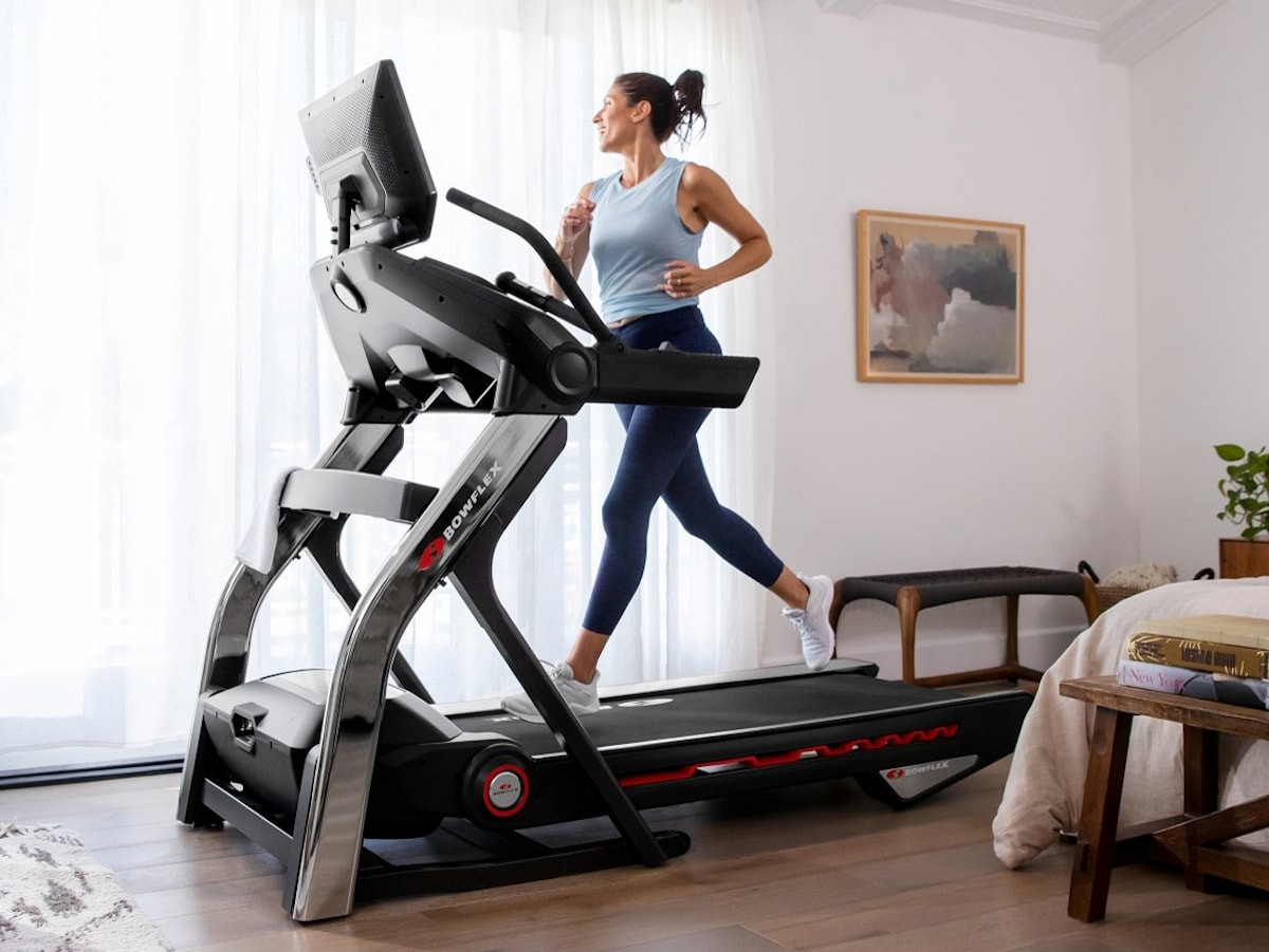 Bowflex Treadmill 22 in-home treadmill has a display that provides you with coaching
