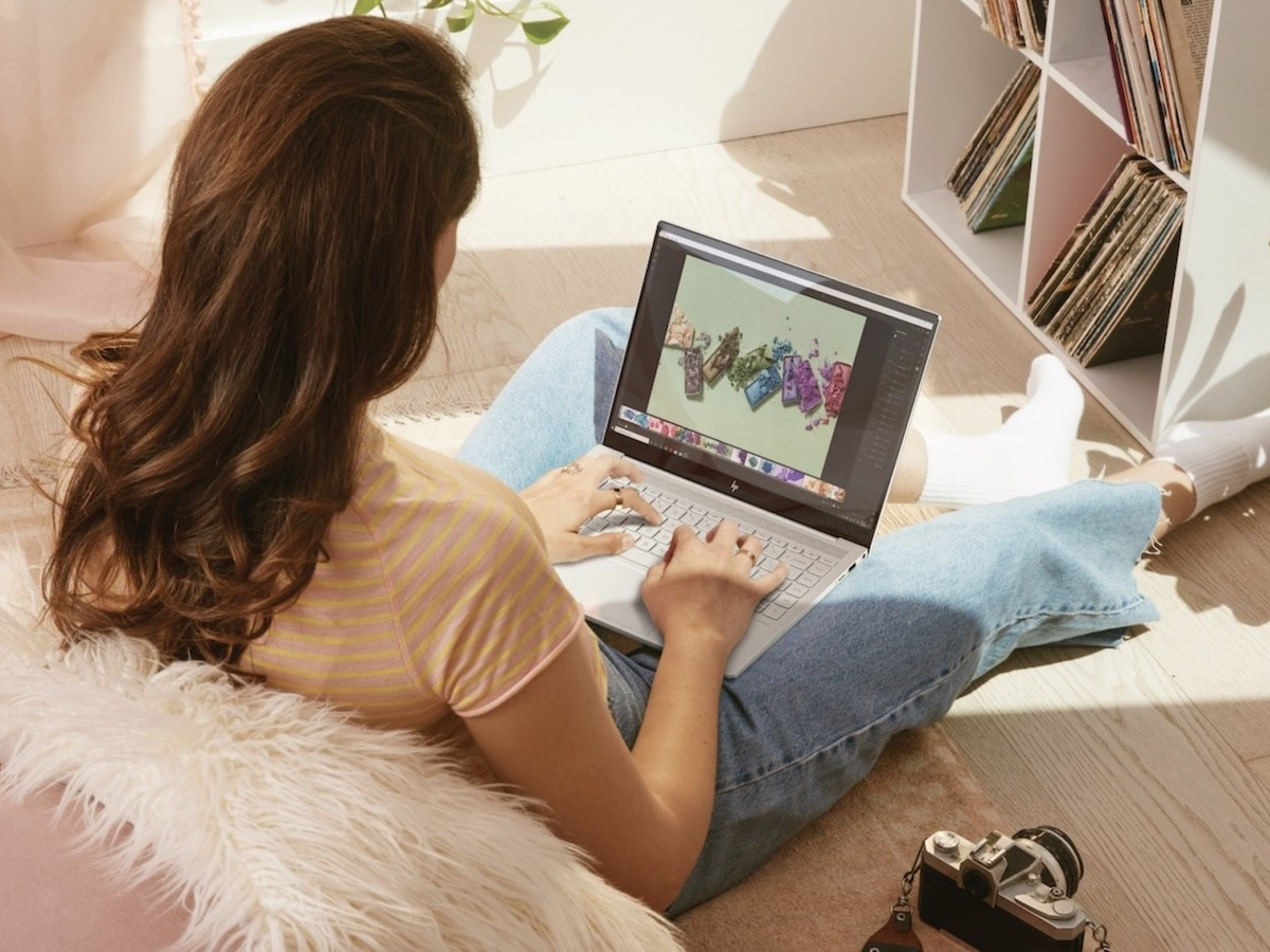 HP ENVY 14 laptop with an immersive display runs for up to 16.5 hours on a single charge