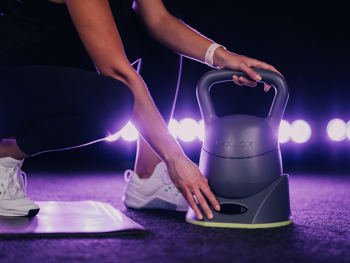 JAXJOX KettlebellConnect 2.0 ranges from 12 to 42 pounds with real-time tracking