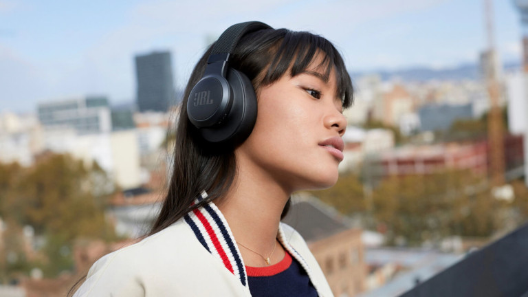 JBL LIVE 660NC wireless headphones feature a 50-hour battery life & voice assistant