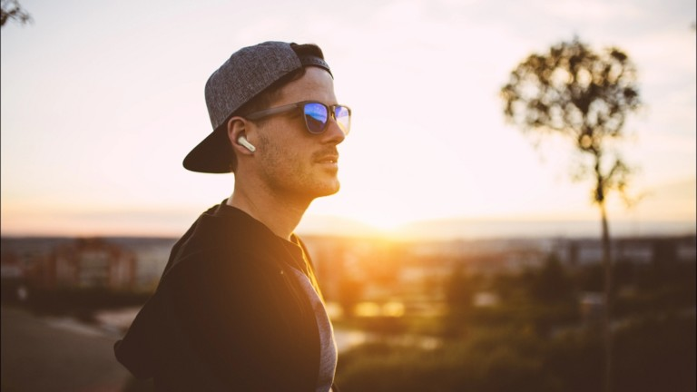 JBL LIVE PRO+ true wireless headphones have six mics with echo-canceling technology