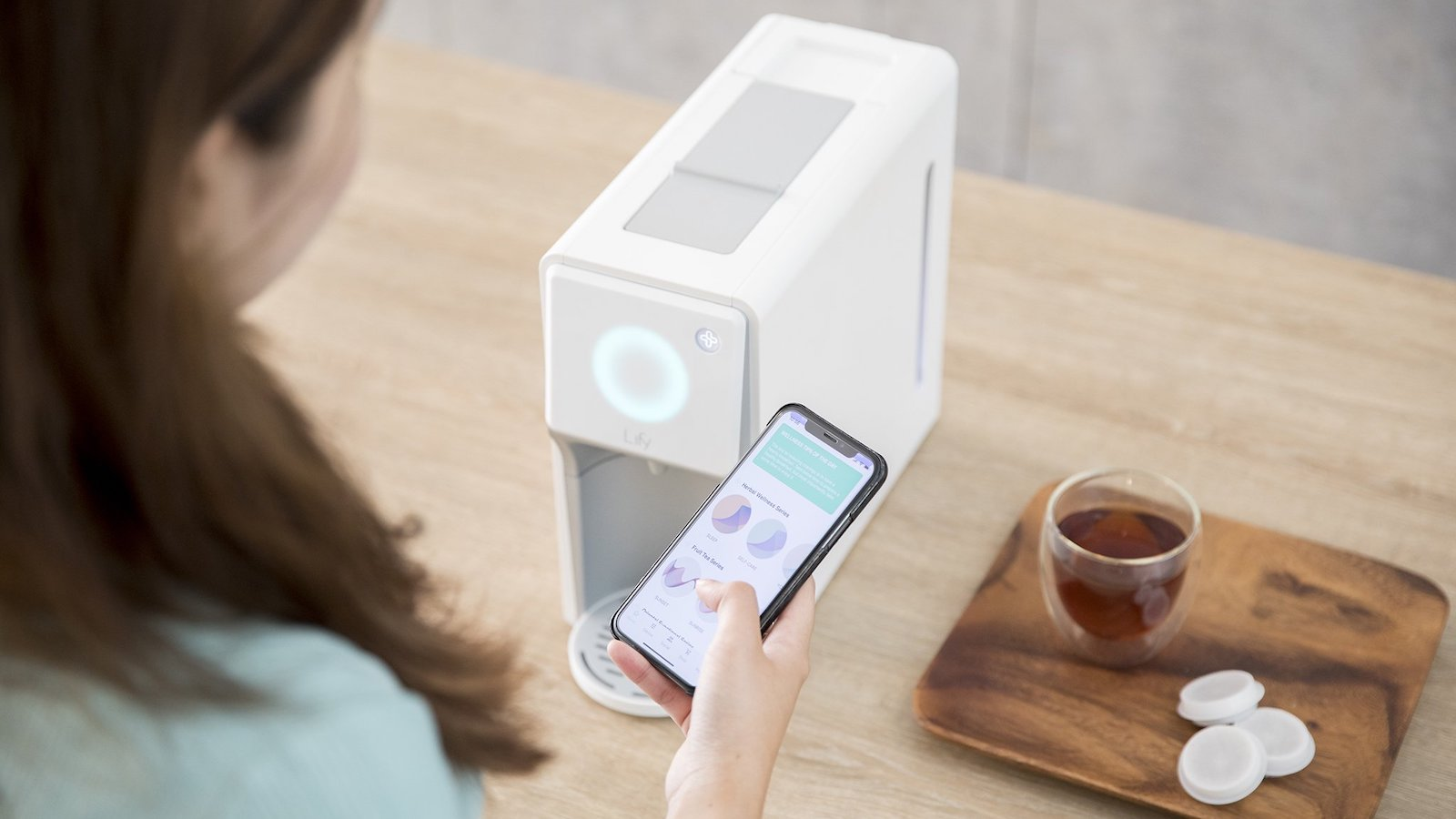 Lify Smart Herbal Brewer tea maker uses patented bloom and brew herbal infusion technology