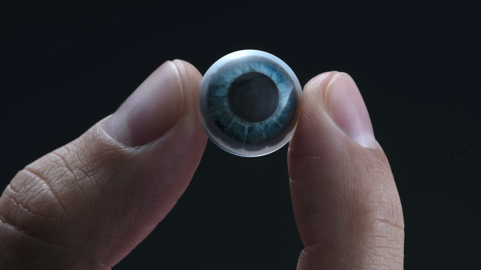 Mojo Vision Lens AR contact lens seamlessly displays digital information