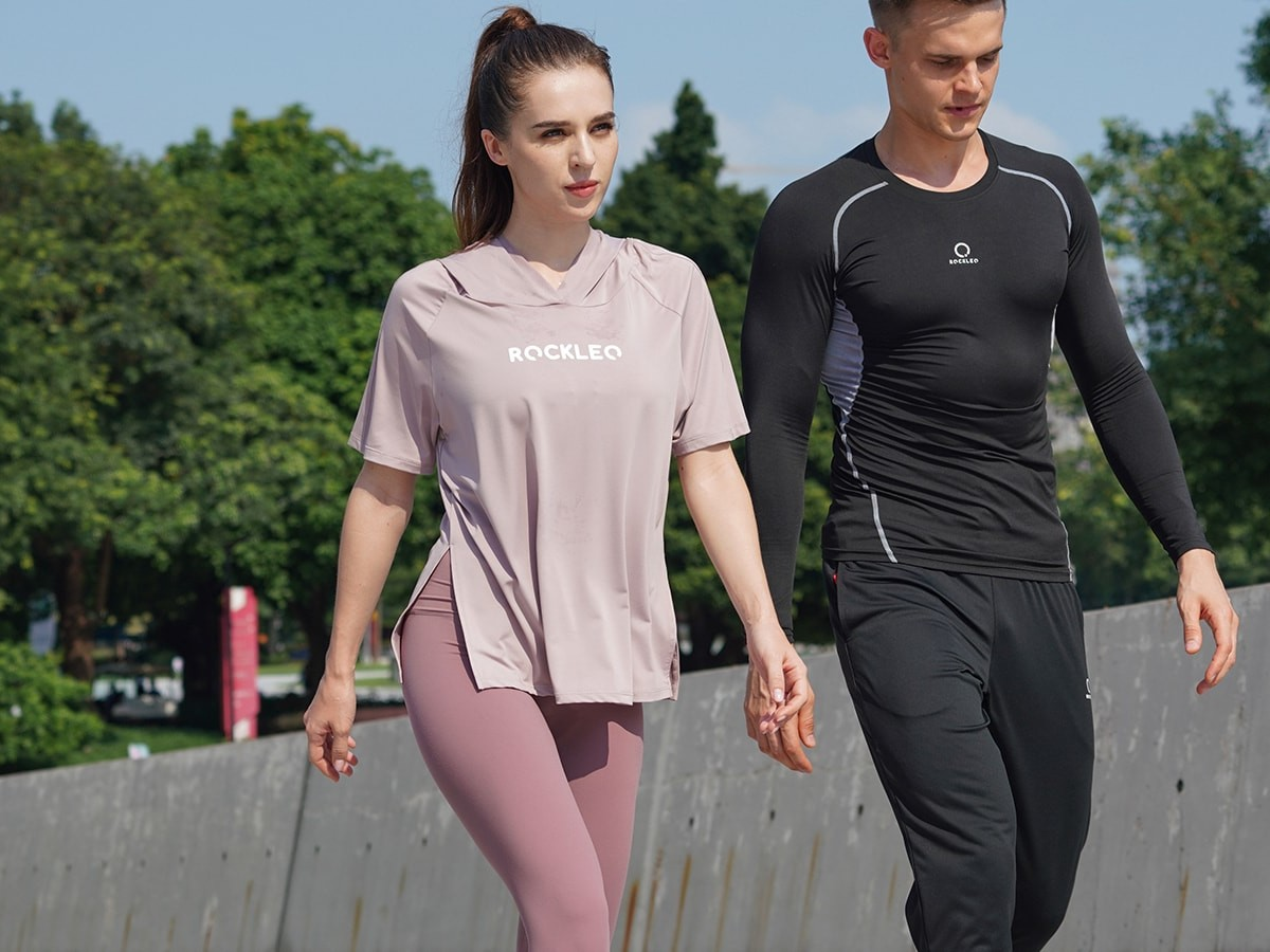 ROCKLEO Aura hooded pullover athleisure top uses a high-tech fabric combination