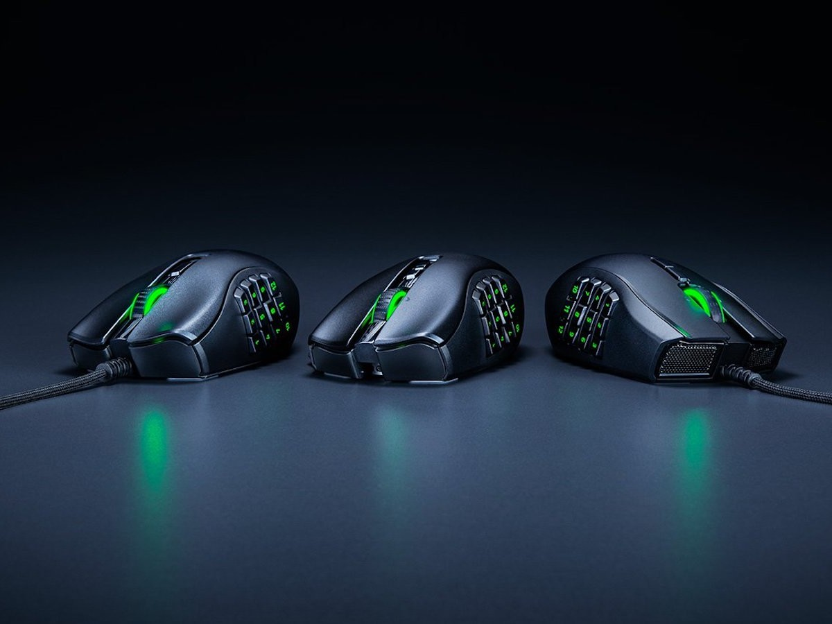 Razer Naga X ergonomic MMO gaming mouse features 16 programmable buttons