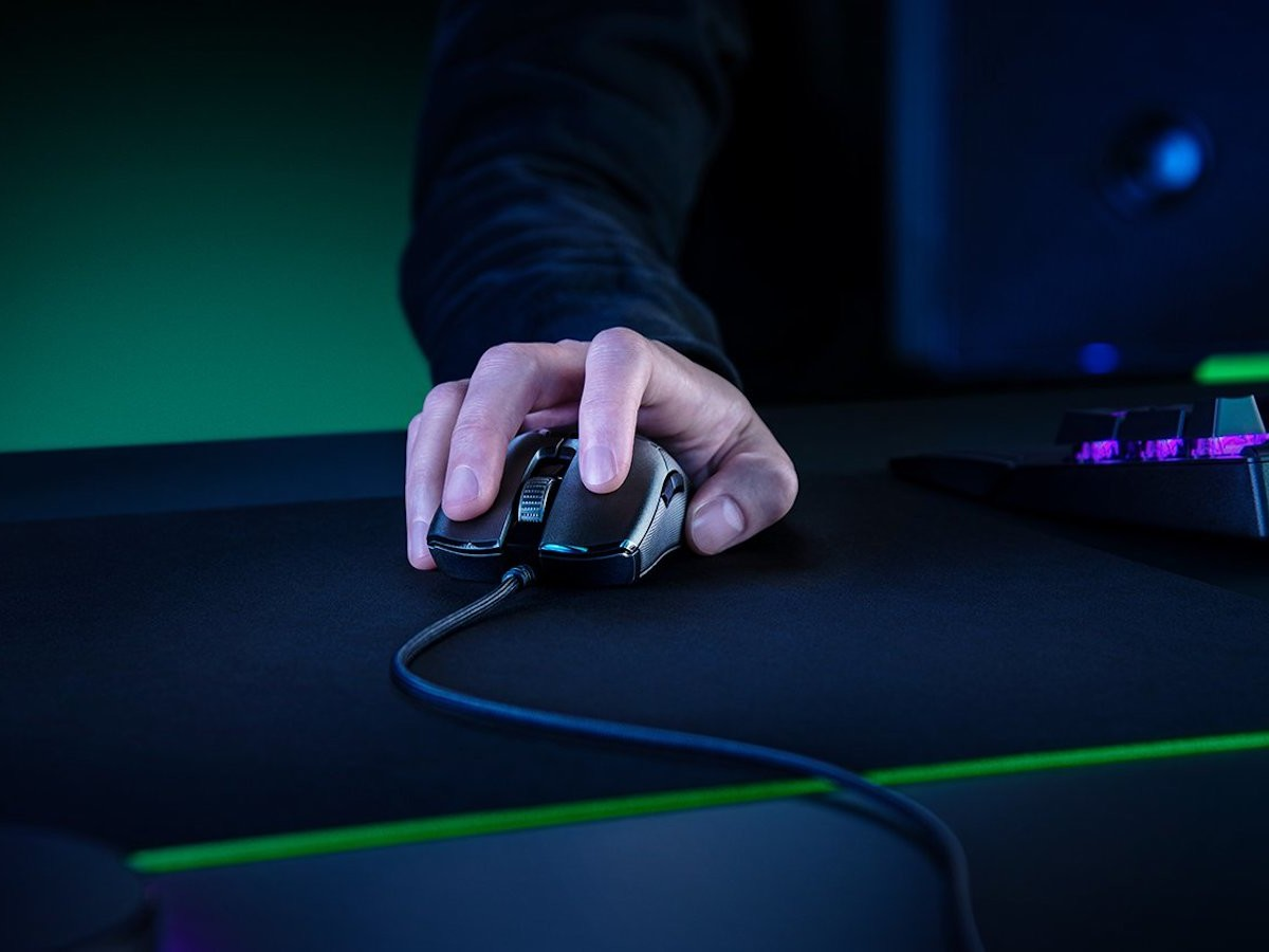 Razer Viper 8KHz gaming mouse uses HyperPolling technology for a better response rate