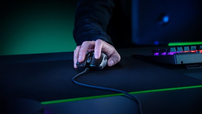 Razer Viper 8 KHz gaming mouse uses HyperPolling technology for a better response rate