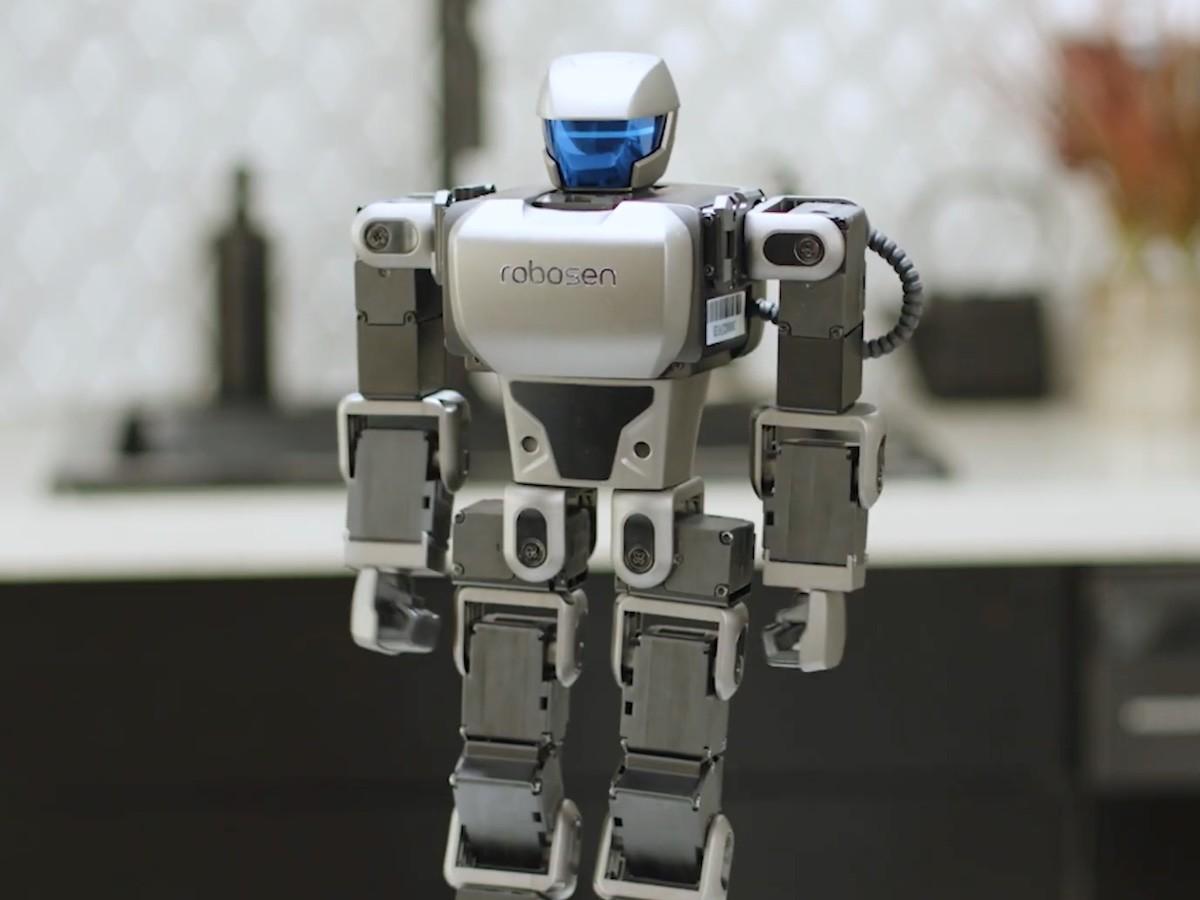 Robosen K1 Interstellar Scout programmable bot is a launchpad for STEM education