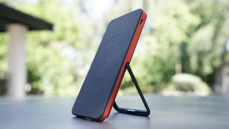 SoloQi Wireless Charger Stand Series
