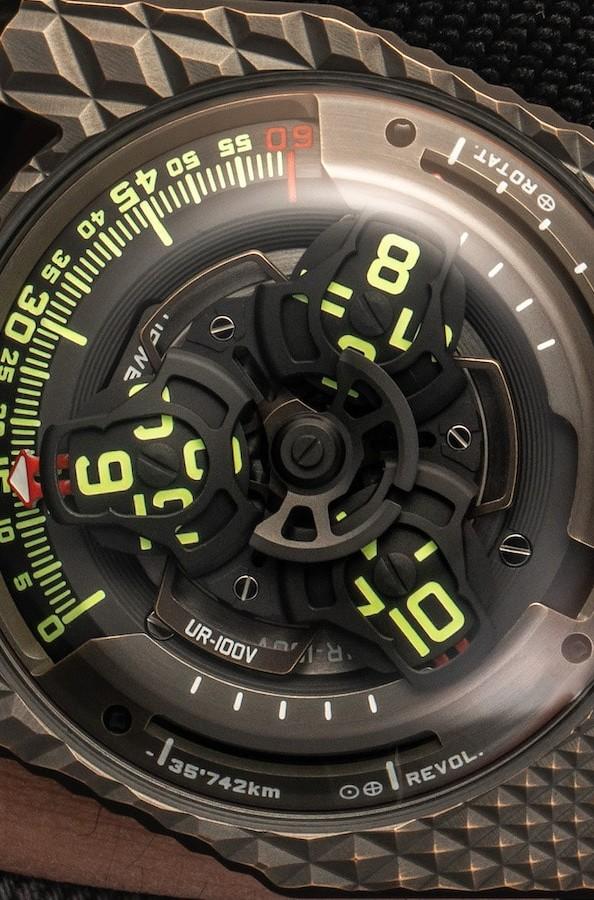 URWERK UR-100V T-Rex satellite watch has a self-winding system - Gadget Flow