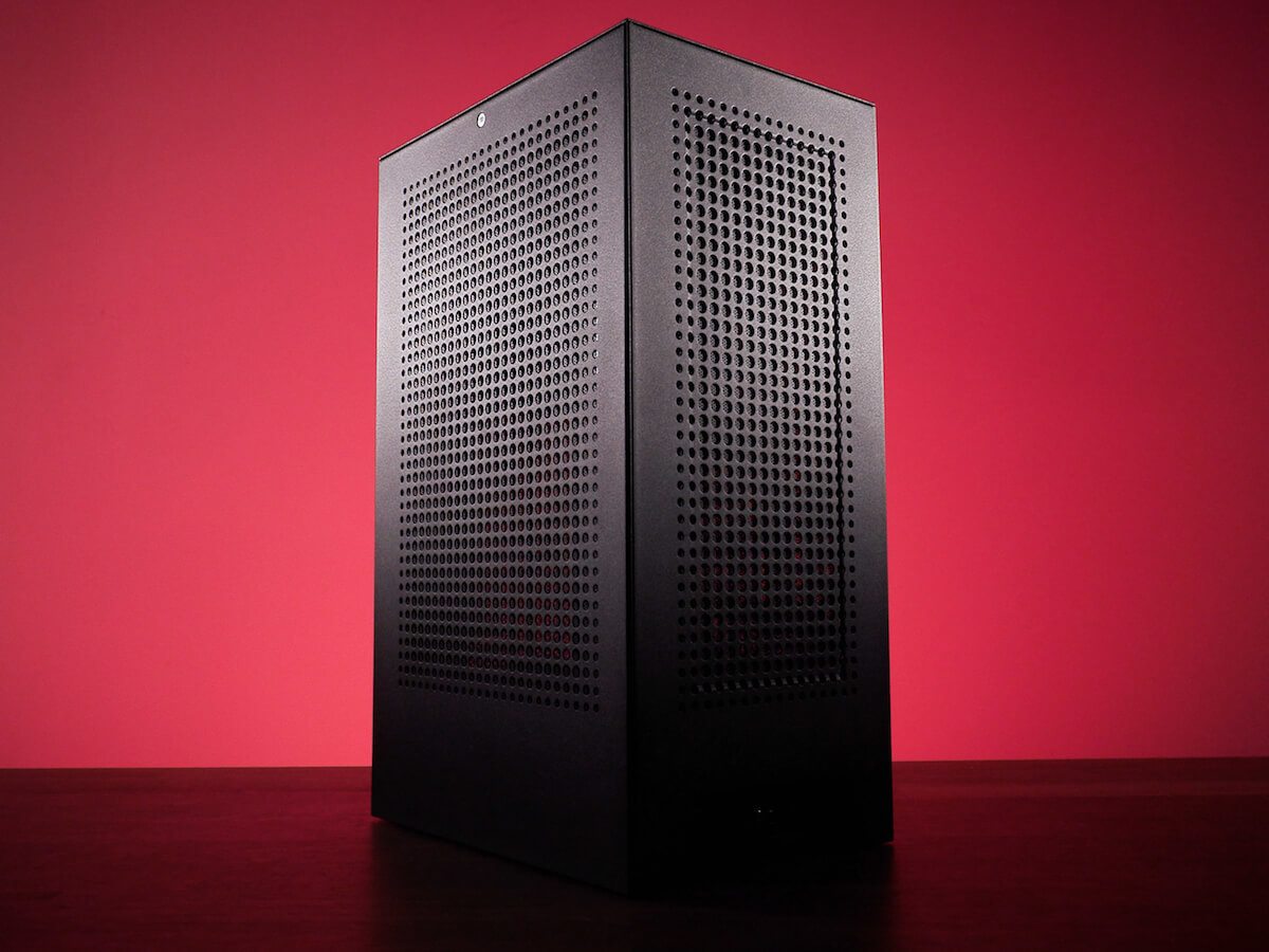 iBuyPower Compact Revolt MK3 PC case gives you performance in a small form factor