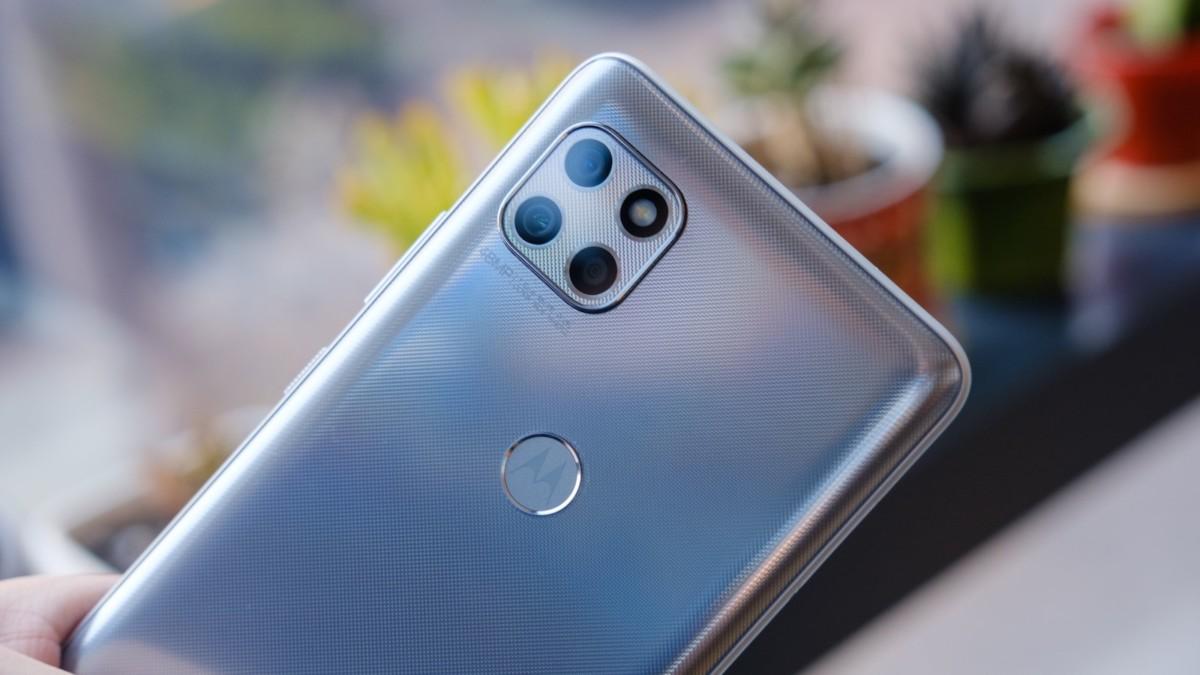 motorola one 5G ace mid-tier smartphone