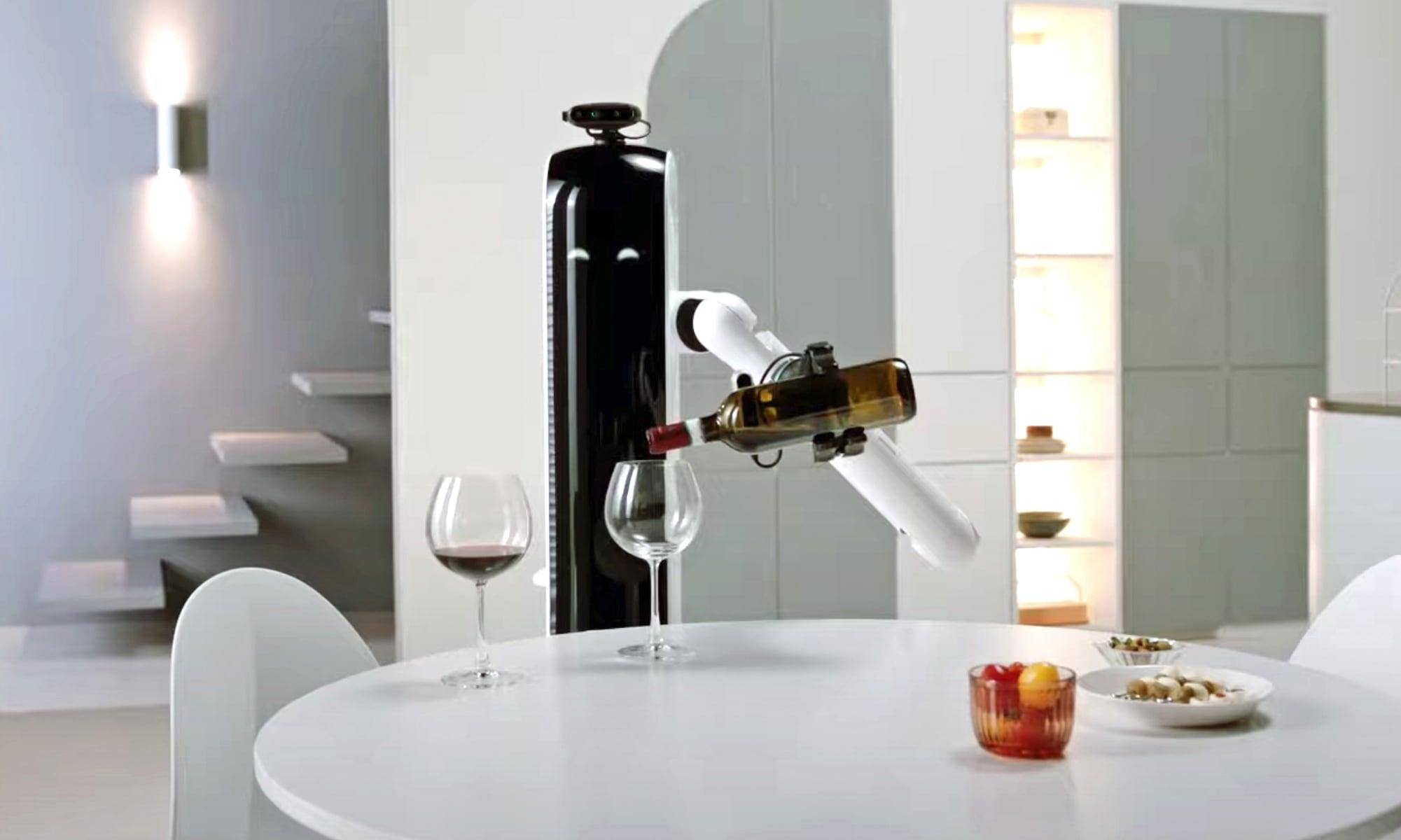Samsung Bot Handy serving wine