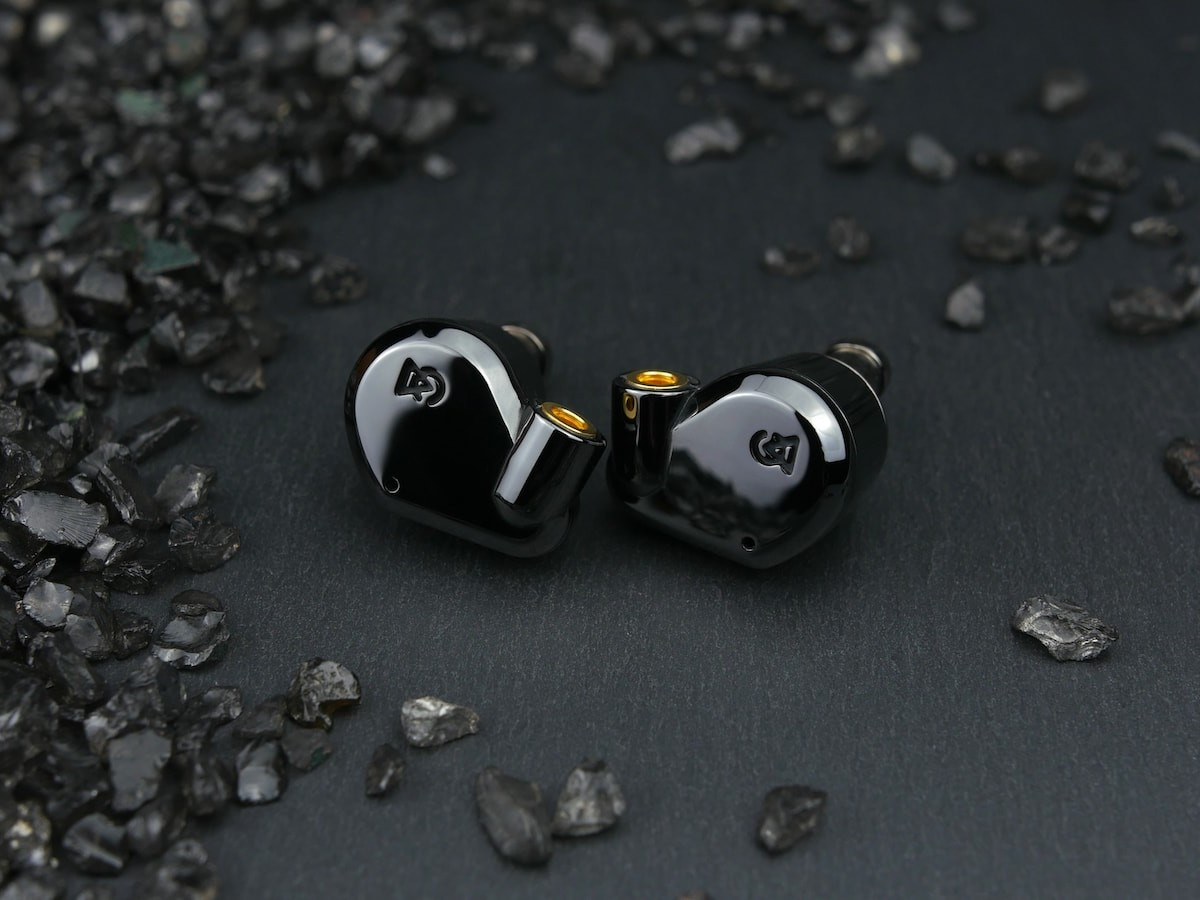 Campfire Audio Dorado 2020 hi-fidelity hybrid earphones incorporate balanced armature