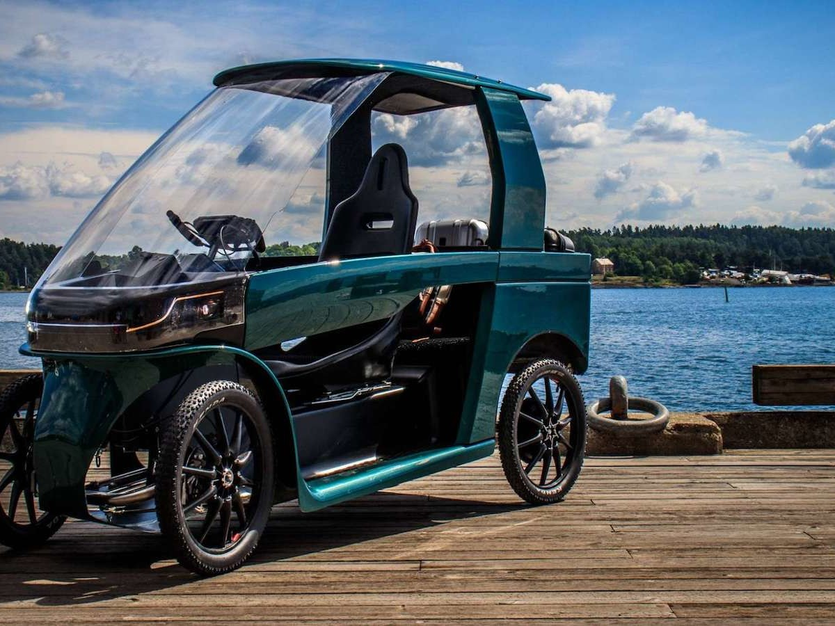 CityQ 4-wheeler eBike combines the benefits of a bicycle and car for year-round use