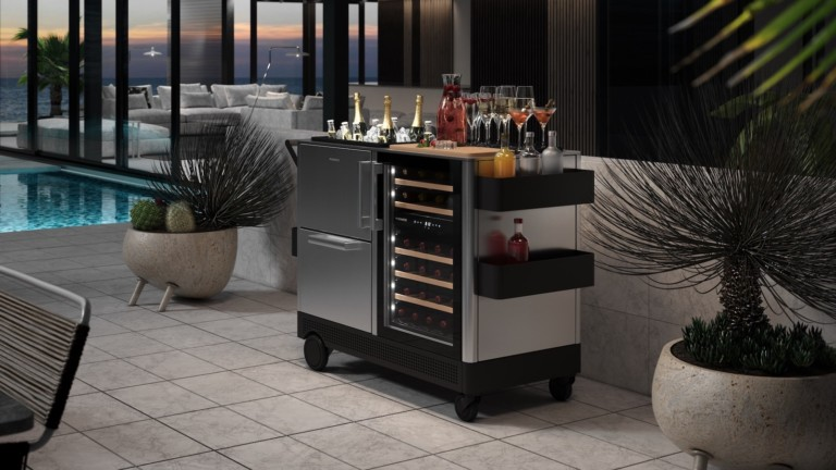 Dometic MoBar Series outdoor mobile bars entertain in any environment