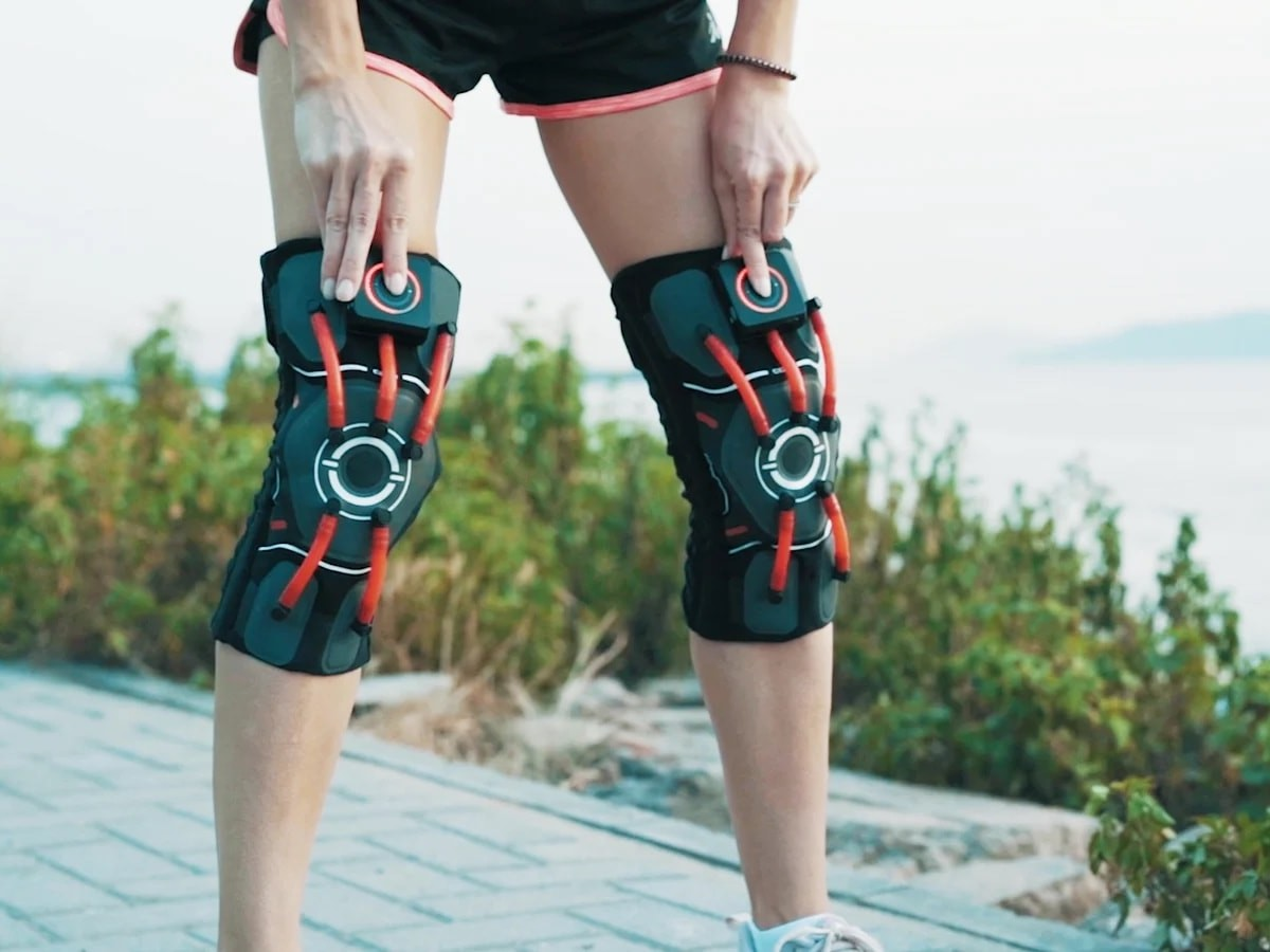 E-Knee intelligent knee brace provides real-time protection