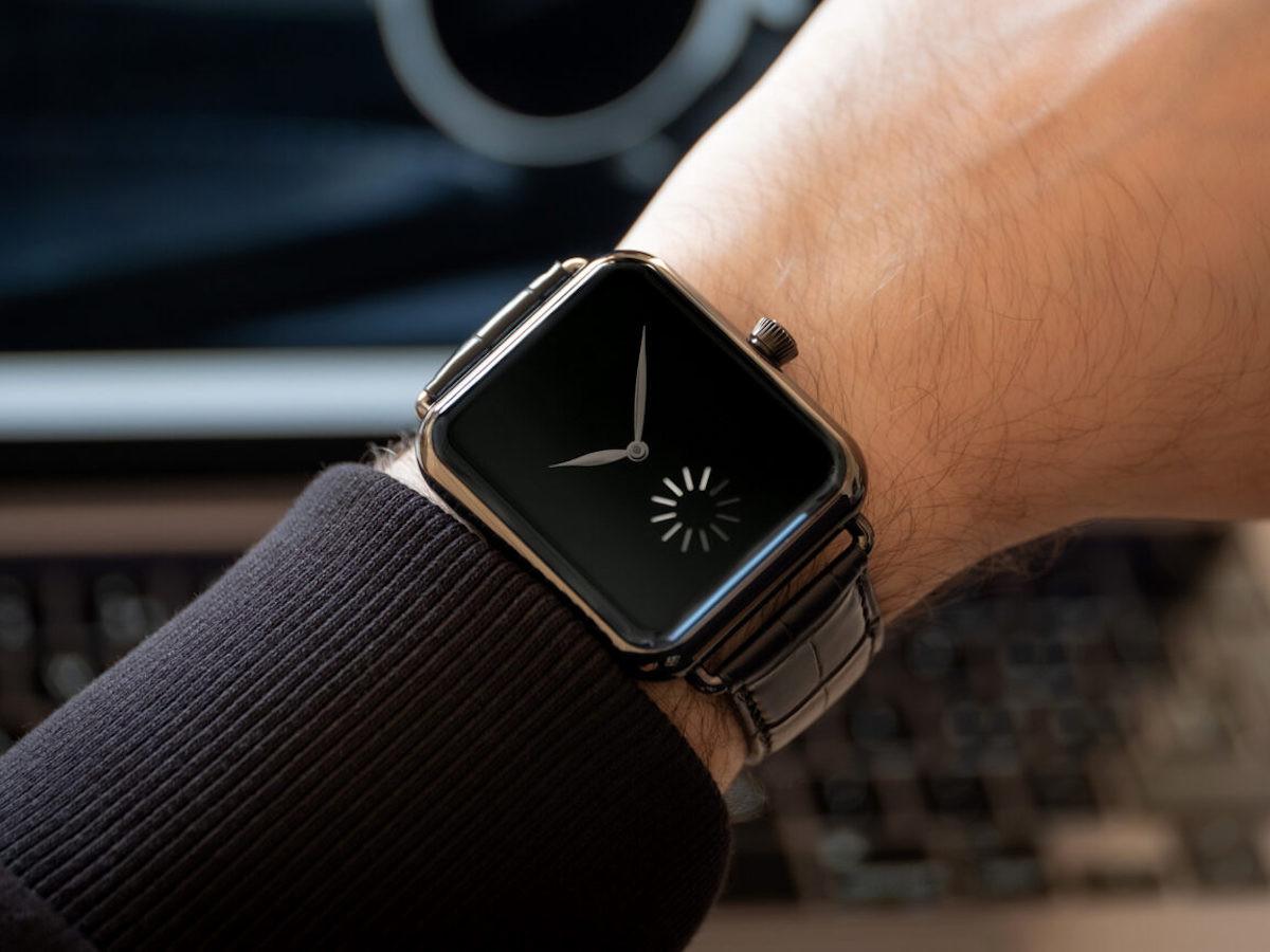 H. Moser & Cie. Swiss Alp smartwatch has a loading wheel like the Apple Watch