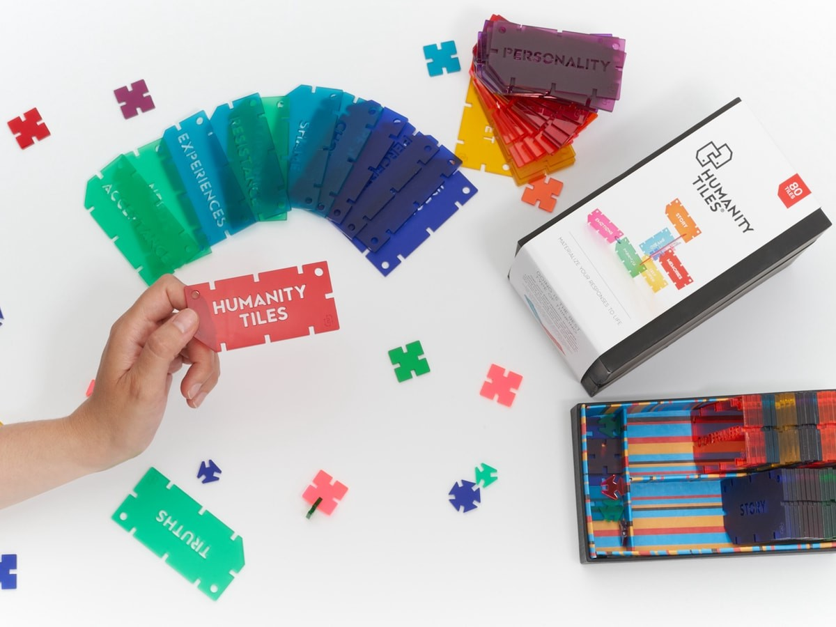 Humanity Tiles 3D coaching toolkit lets you explore thoughts using words in a physical way