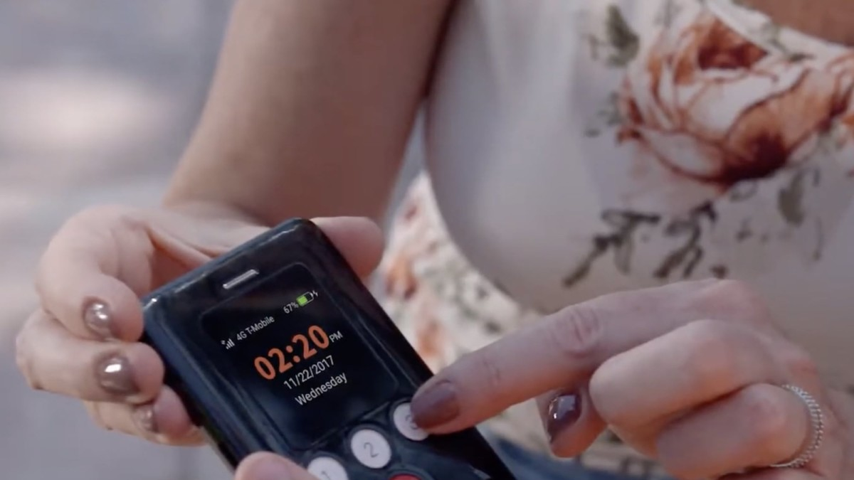 This GPS tracker phone keeps kids and seniors safe