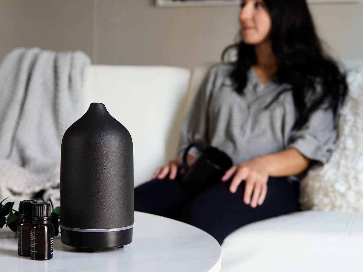MOYA Essence Ceramic Essential Oil Diffuser is designed for peace and relaxation