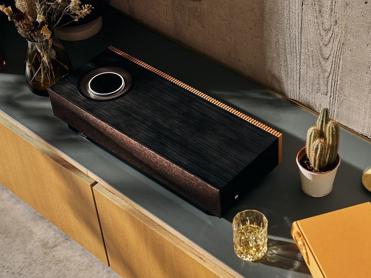 Naim Mu-so Bentley Special Edition wireless speaker system is designed with details like the cars