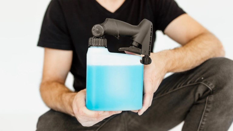 PIVOT reinvented spray bottle maximizes every single drop at any angle