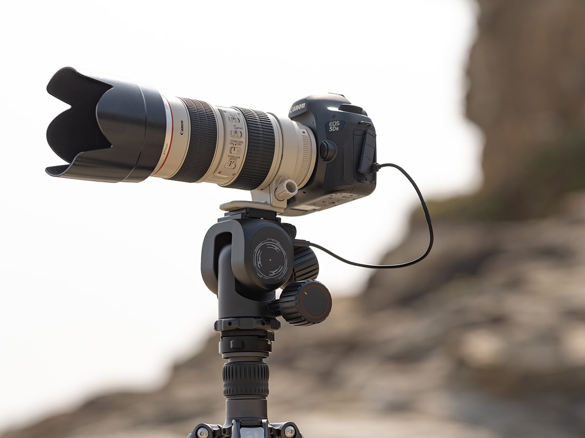 Polaris smart electric tripod head is great for time-lapse, panorama, sunrise, and more