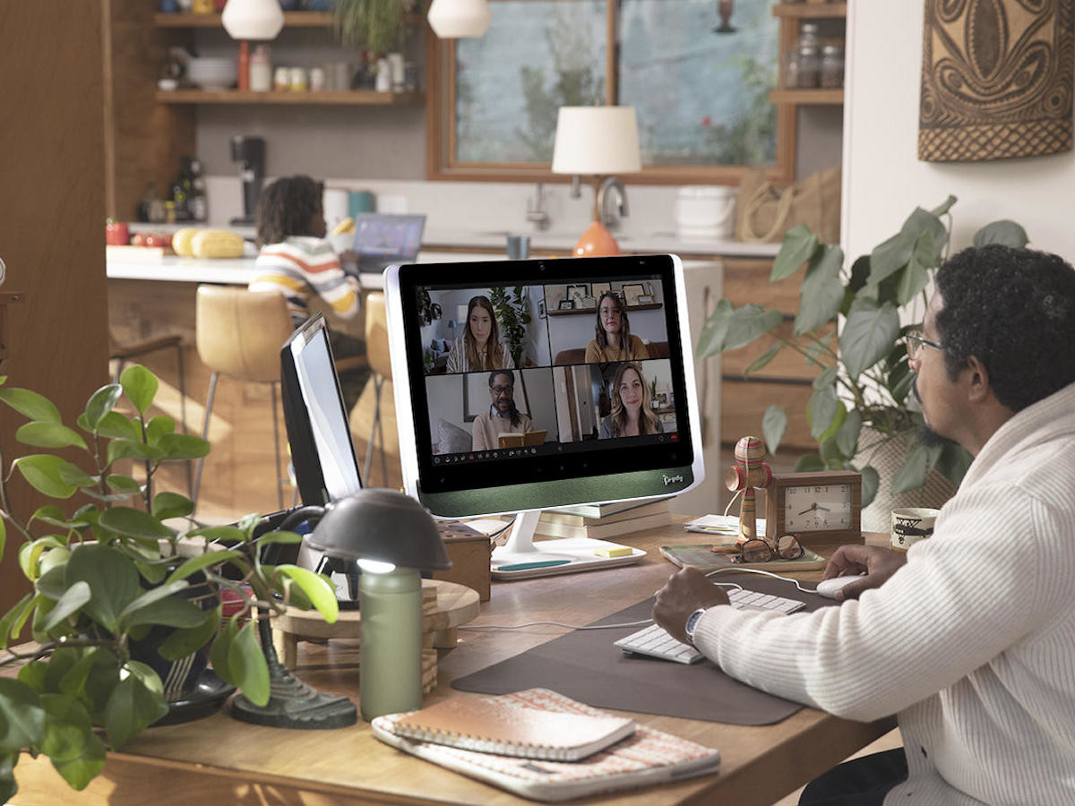 Poly Studio 21 personal meeting monitor includes all the features for videoconferencing