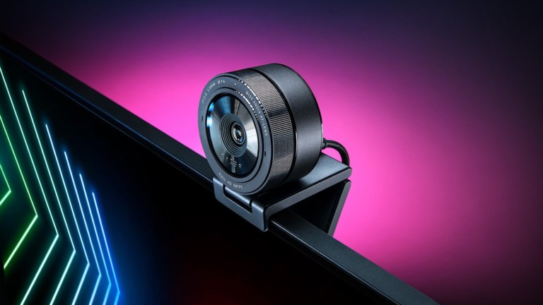 Razer Kiyo Pro USB camera features an adaptive light sensor for crisp, clear quality