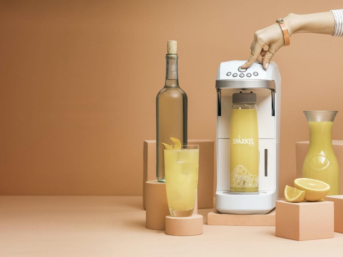 Spärkel Beverage System makes a sparkling bottle of water in 90 seconds