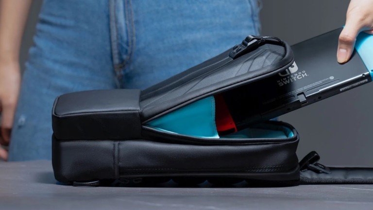 MagGo™ Nintendo Switch travel bag uses a high-tech magnetic connection system