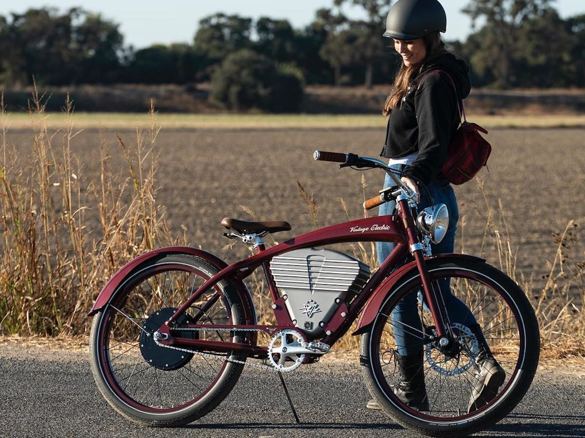 Vintage Tracker Classic full-throttle eBike has a 50-mile range and can reach up to 36 mph