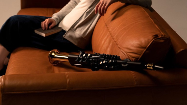 Yamaha YDS-150 electronic saxophone lets you play anywhere & control the volume