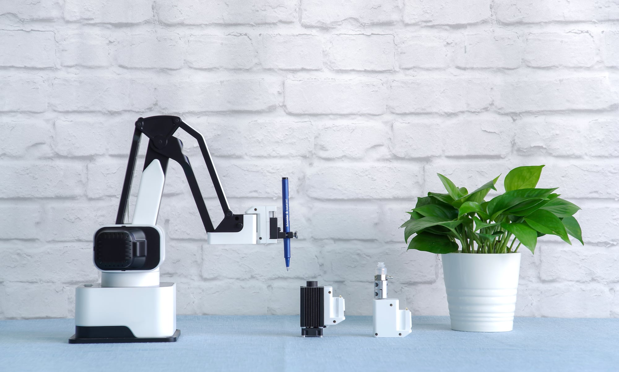 Meet Rotrics—a modular all-in-one desktop robot arm