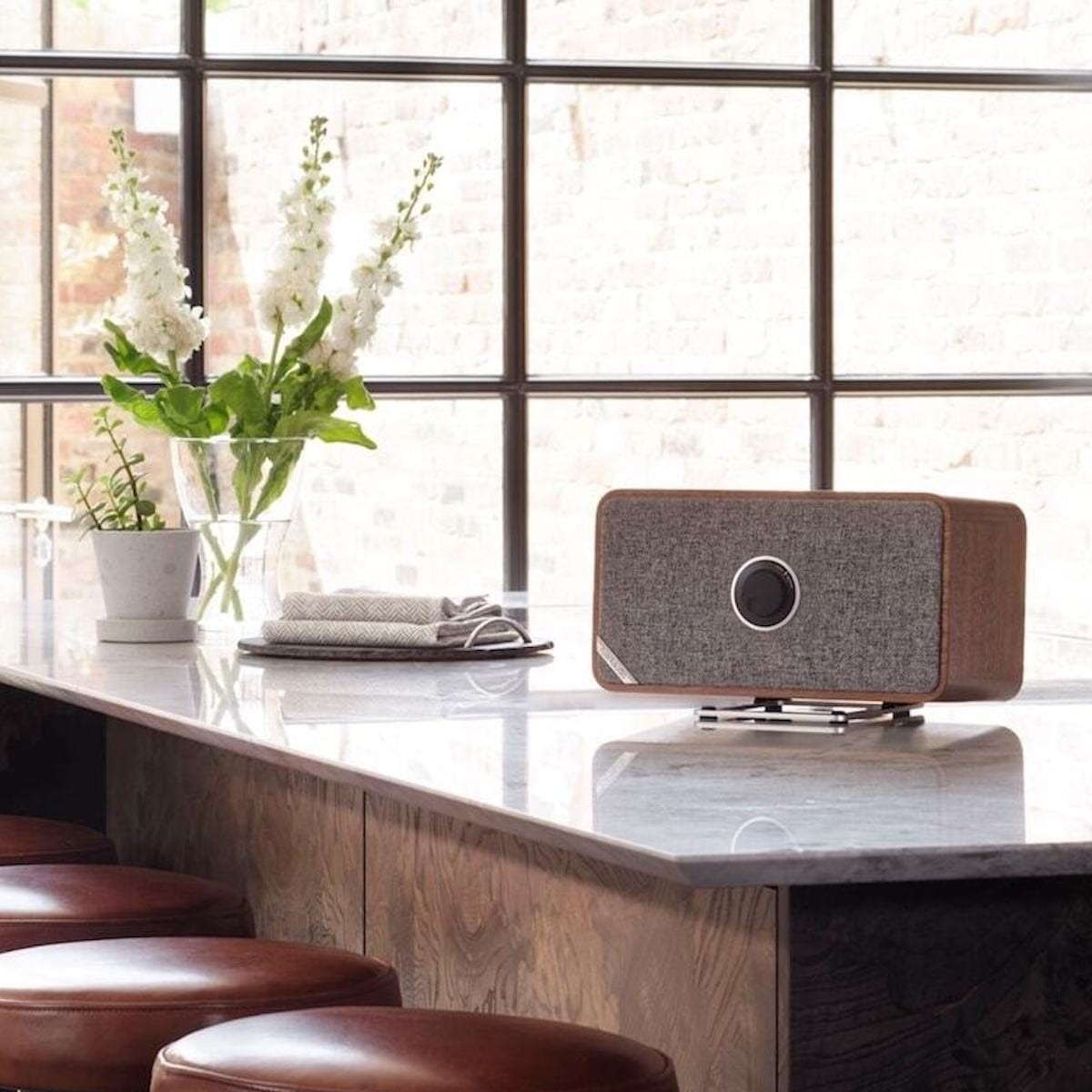 15 Fancy gadgets for your home and office thumbnail