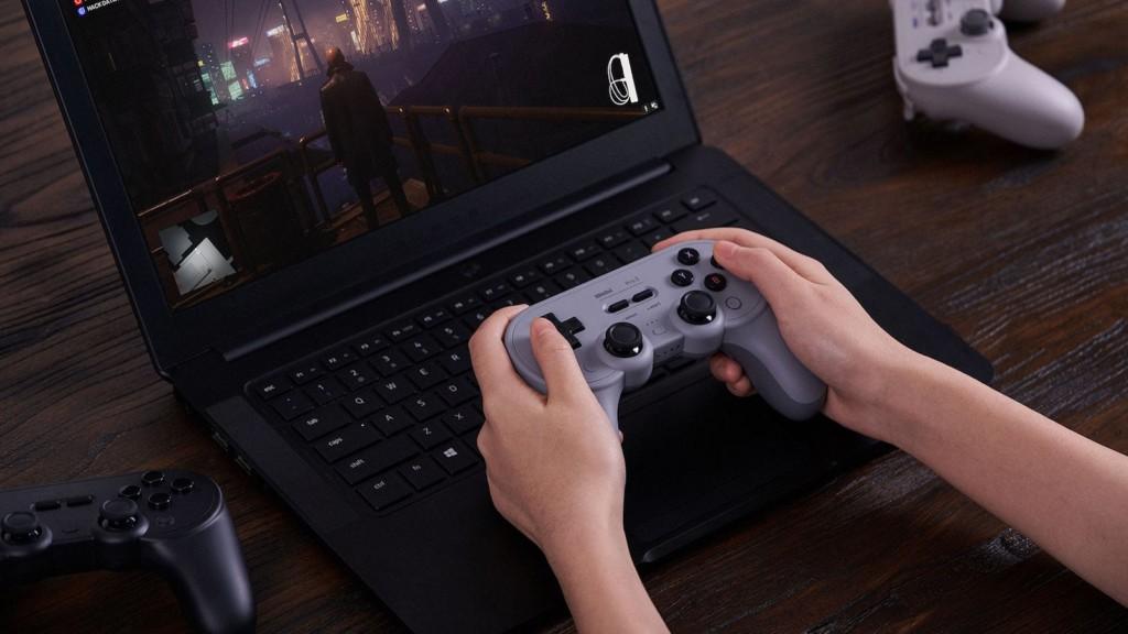 8BitDo Pro 2 Bluetooth gaming controller