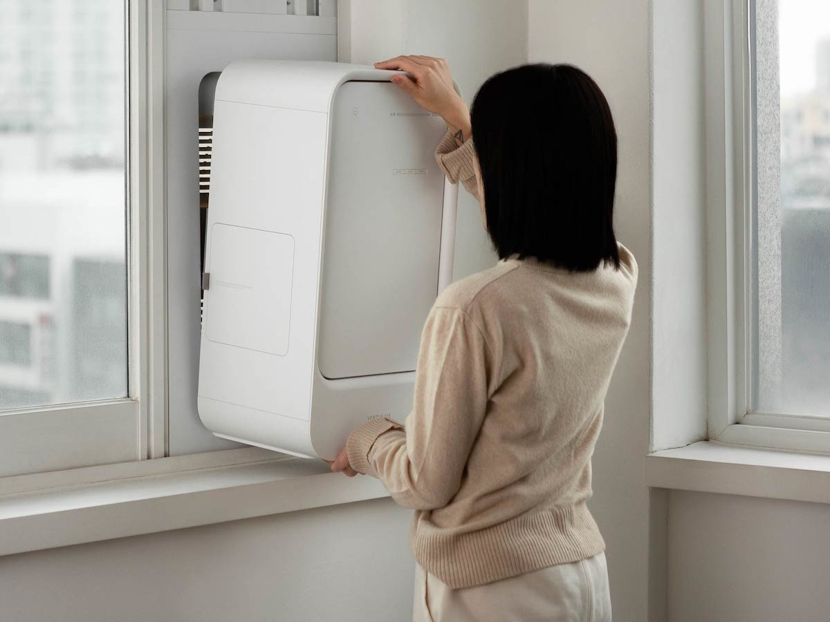 BEBOP Ventus Air window-mounted air purifier ventilates your room to filter odors