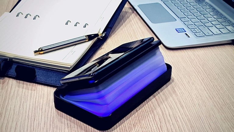 iSMART COLLAPXI collapsible sterilizer power bank has a battery capacity of 10,000 mAh