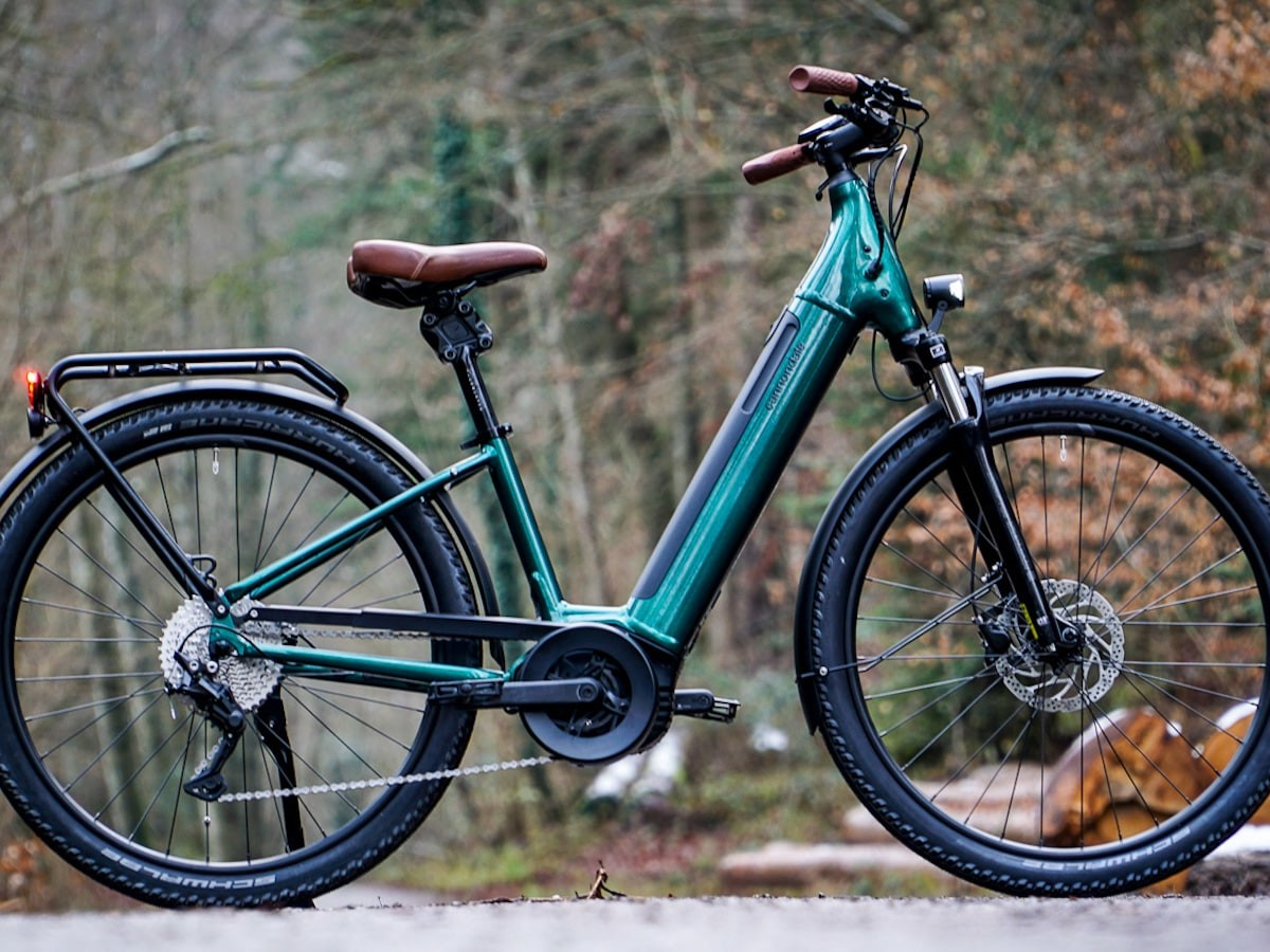 Cannondale Adventure Neo eBike collection requires low effort and provides high comfort
