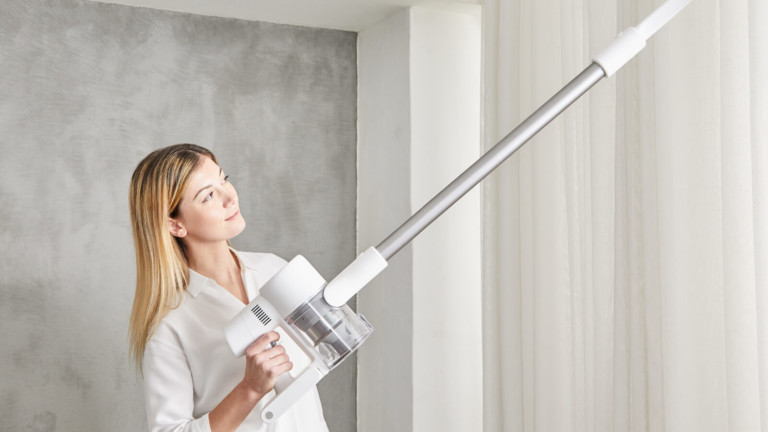 Dream Tech T10 cordless stick vacuum cleaner has 120 AW suction power & a 1-hour runtime