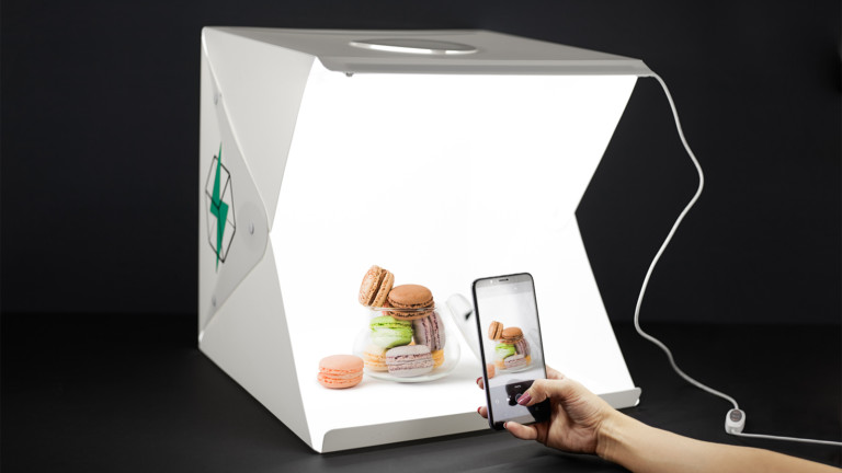 FlashBooth white studio background offers LED lighting with adjustable brightness