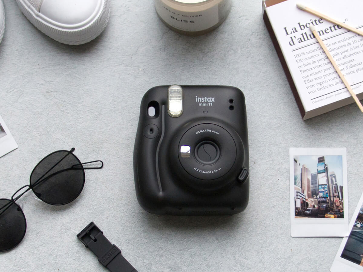 Fujifilm Instax Mini 11 compact instant camera offers automatic exposure